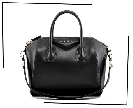 c984dc317a3 ... van de grote tassen. Nu zijn het meer de kleine schoudertassen, maar  voor deze Givenchy topper krijg je in ieder geval zeker je investering  terug.